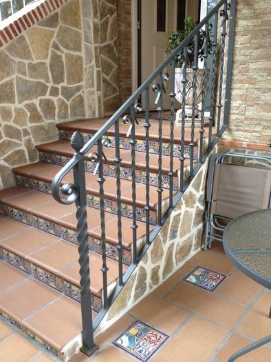 Hierro aluminios crisala huesca - Barandas de forja para escaleras ...